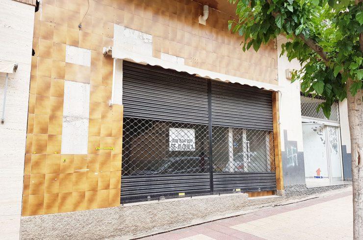 Local en Avenida Aragon al lado Hospital Comarcal
